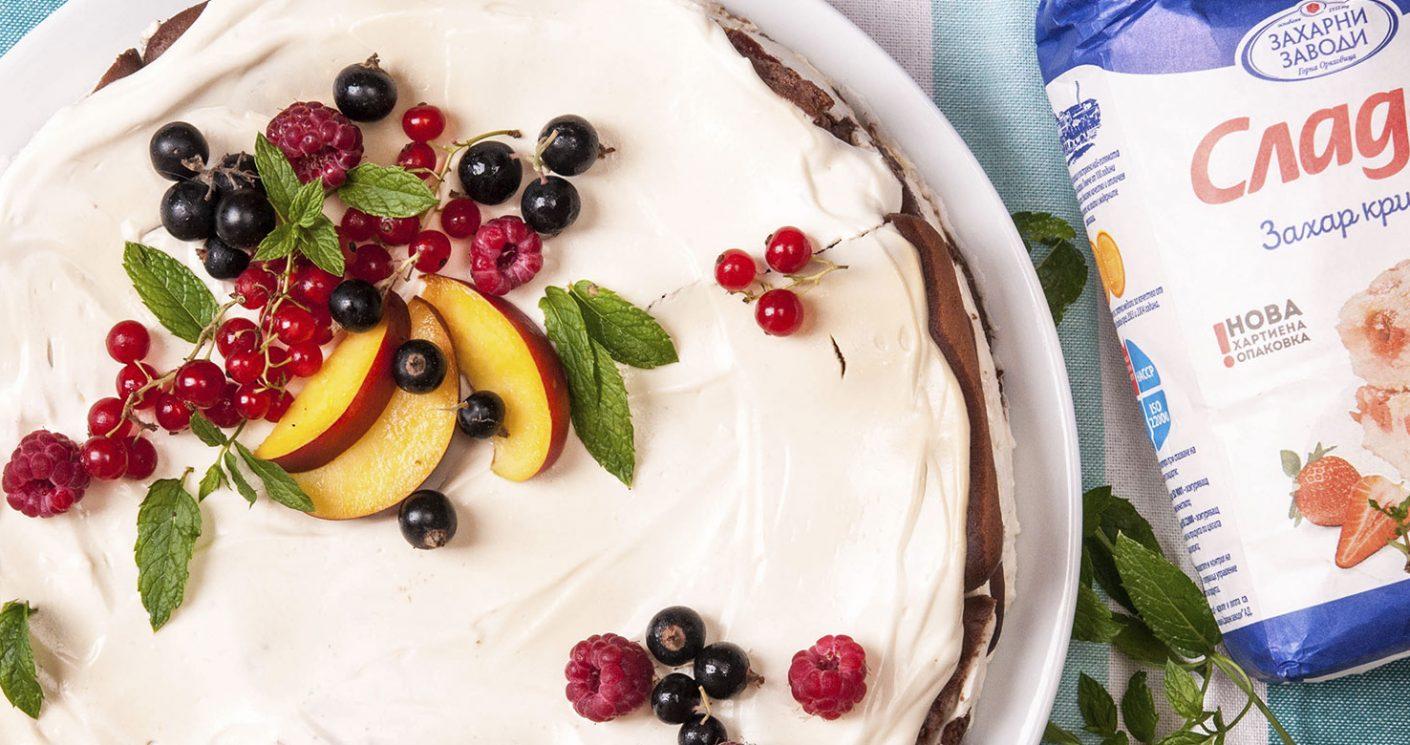Как да приготвим вкусна, свежа, бърза бисквитена торта с нектарини